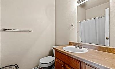Bathroom, 115 Collett Ct, 2