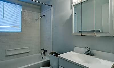 Bathroom, University Plaza, 2