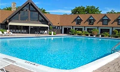Pool, 3650 Inverrary Dr 3S, 2