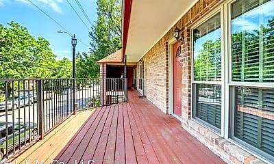Patio / Deck, 611 Hawthorne St, 2
