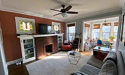 Living Room, 3728 N Marshfield Ave, 2