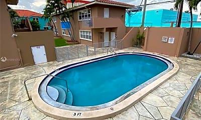 Pool, 1631 N Treasure Dr, 2