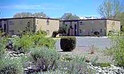 Santa Fe Apartments, 2