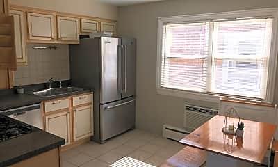 Kitchen, 26 Conti Pkwy 3S, 1