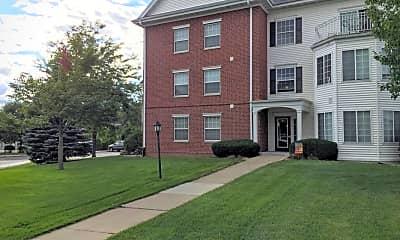 Building, Richmond Hill Estates Apartments, 0