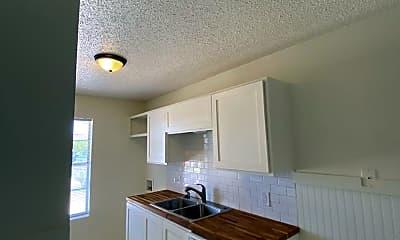 Kitchen, 3202 Salisbury Ave, 2