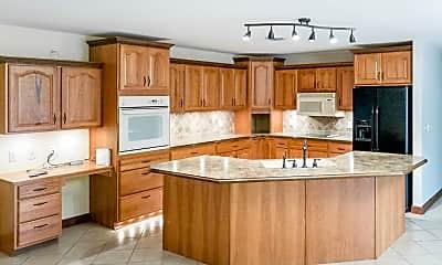 Kitchen, 3300 Summerset Dr, 0