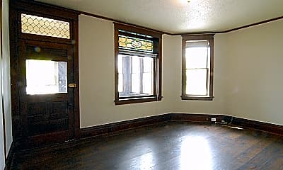 Living Room, 226 N State St, 0