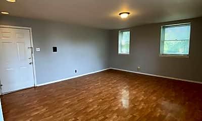 Living Room, 3939 Magnolia Ave, 2