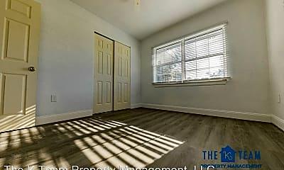 Living Room, 645 7th St NE, 2