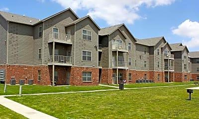Building, Silver Oak Apartments, 0