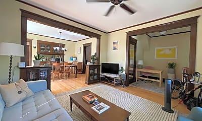 Living Room, 910 Franklin Terrace, 1