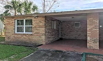 Building, 7020 Bougenville Dr, 1