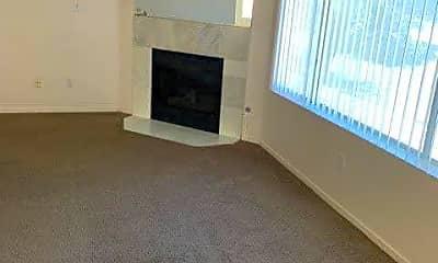 Living Room, 8450 Alta Dr 211, 2