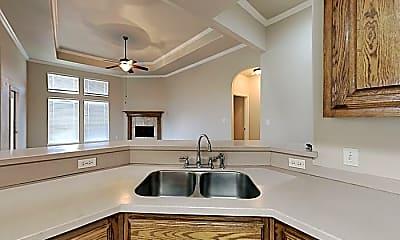 Kitchen, 6001 Bobtail Dr, 1