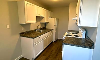 Kitchen, 2108 NE 85th St, 1