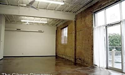 Building, 3711 Parry Ave, 2
