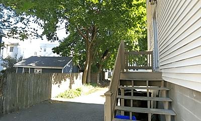 Patio / Deck, 43 Tremont St, 2