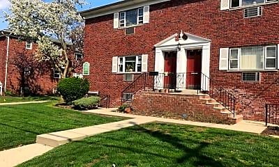 Building, 640 Franklin Ave B3, 1