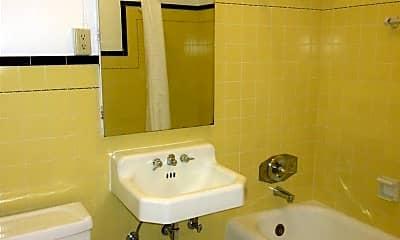 Bathroom, 425 22nd Ave, 2