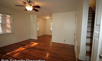 Bedroom, 1409 Clarendon St, 1