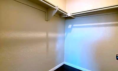 Bathroom, 1616 S 3rd St, 2