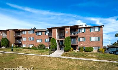 Building, 4116 S Oak Meadows Dr, 1