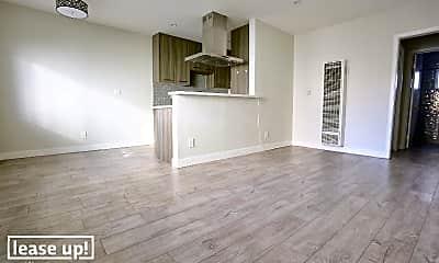 Living Room, 738 N Hudson Ave, 1