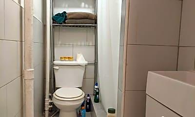 Bathroom, 109 Luquer St C1, 2