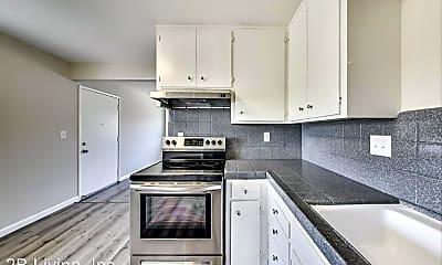 Kitchen, 670 S 10th St, 1