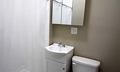 Bathroom, 4621 N Broad St, 1