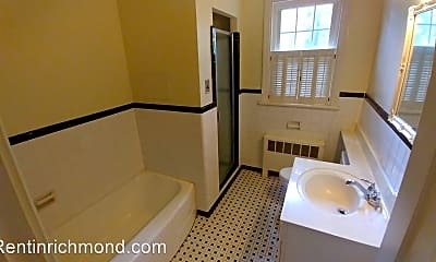 Bathroom, 1904 Hillcrest Cir, 2