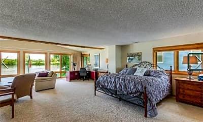 Living Room, 2815 McKenzie Point Rd, 2