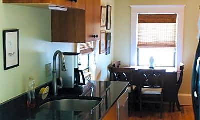 Kitchen, 727 Congress St, 2
