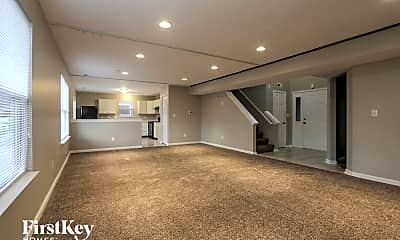 Living Room, 5910 Prairie Creek Dr, 1