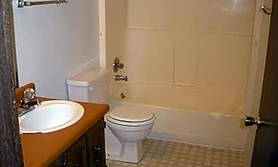 Bathroom, 2628 West St, 2
