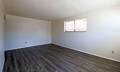 Living Room, 1041 Ponderosa Way, 0