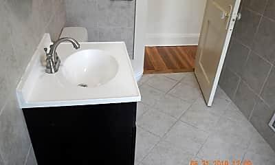 Bathroom, 147-49 Fellows Ave, 2