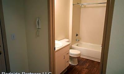Bathroom, 300 11th Ave, 2