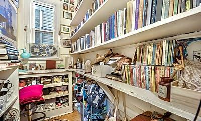 Living Room, 2419 N Talman Ave 1, 2
