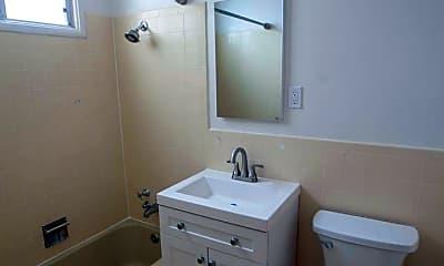 Bathroom, 2590 Greenwich St, 2
