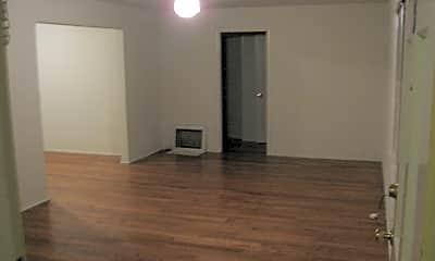 Building, 1035 Laurel St, 1