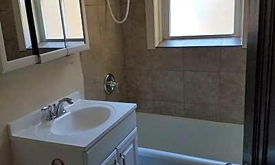 Bathroom, 547 Spring Road & Montrose Avenue, 2