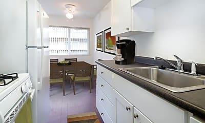 Kitchen, eaves Creekside, 1