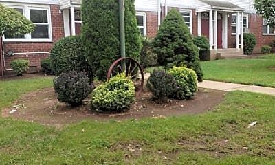 Monroe Gardens, 2