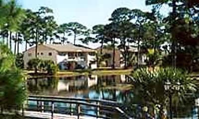 The Pines Resort, 0