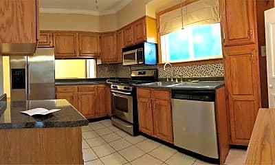 Kitchen, 164 Chauncey Pl, 0