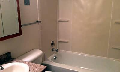 Bathroom, 162 9th Ave E, 2