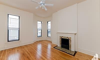 Living Room, 1403 W Huron St, 1