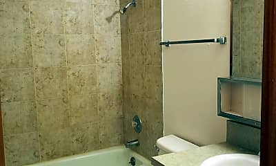 Bathroom, 301 Lauder Ave, 2
